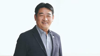 代表 佐藤英吉